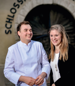 Bernadette Hellmer & Samuel Pope, Der Schlosskeller